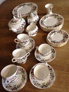 46 piece Wedgwood Hathaway Rose dish set