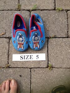 Toddler Size 5 Thomas the Train Slippers
