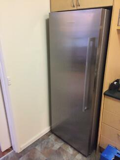 Fridge fisher paykal Urgent Sell excellent condition s.stainless