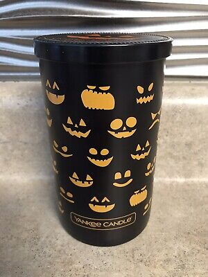 "Yankee Candle Halloween 2019 ""Trick Or Treat"" 12oz Jar Candle NEW"
