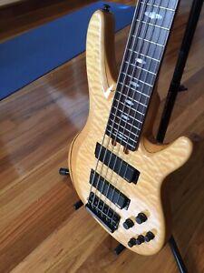 Yamaha bass guitar, TRB1006