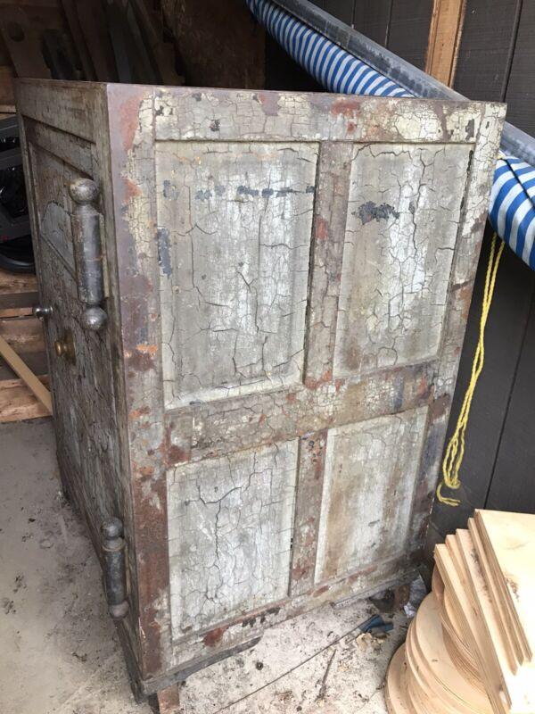 Antique Herring Safe Floor Safe Watach Tribe, IMPORM, improved Order Of Red Men