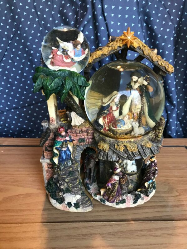 Kirkland Signature Musical Water 3 Globe with Revolving Base Nativity First Noel