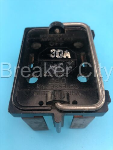 """Wadsworth 30 Amp Fuse Pull Out Fuse Holder 120/240V """"Fully In Reverse For Off"""""""
