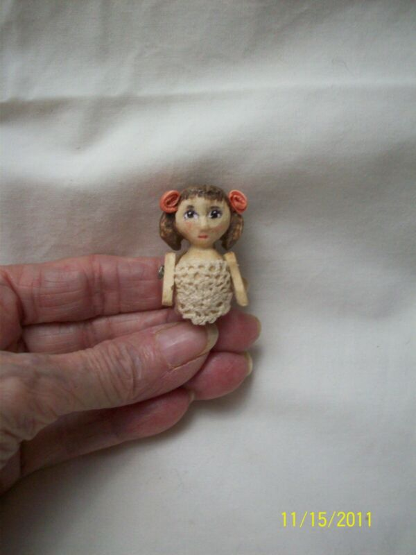 Hand Carved Wood Wooden Tiny Jointed Doll Pin by Hitty Artist