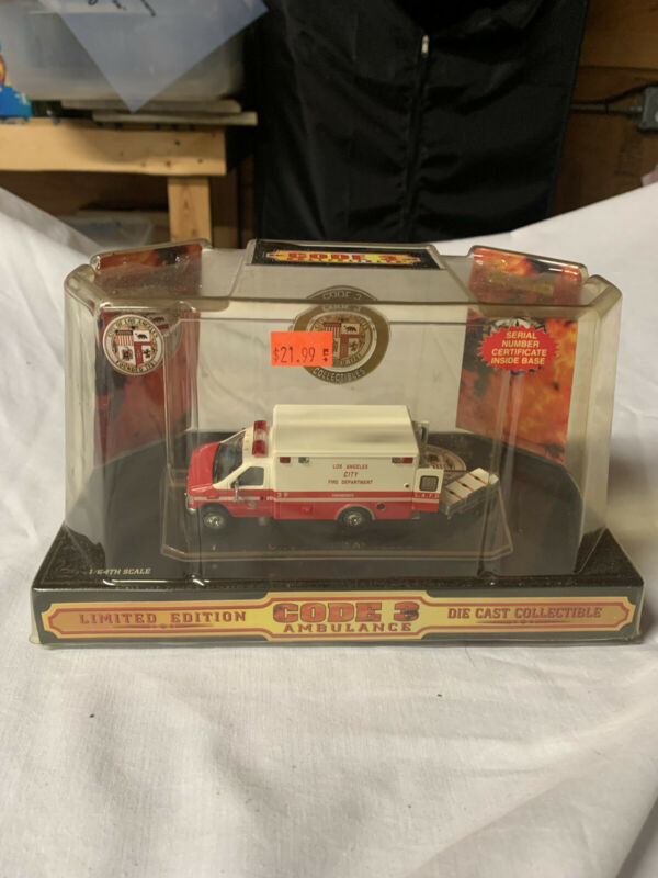 Code 3 collectibles City Of LA 1999 Ford Ambulance