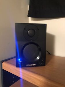 SAMSON BT3 BLUETOOTH SPEAKERS $100