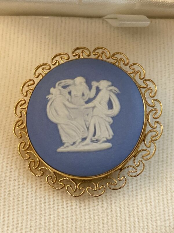 Wedgwood Van Dell Gold Filled Cameo Brooch