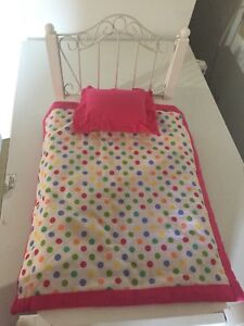 Doll bed - excellent conditon