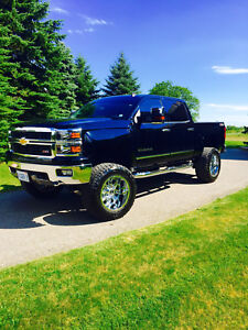 2014 Black lifted Chevy LT! Low km like new!