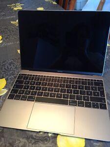 MacBook 12 pouces gris cosmique