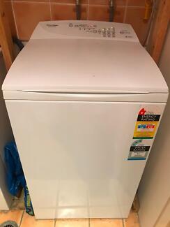Fisher & Paykel 5.5kg top loader washing machine