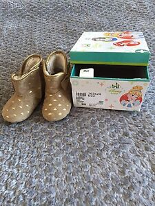 Toddler Size 3W Boots Cambridge Kitchener Area image 1