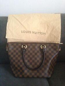 Louis Vuitton LV saleya pm