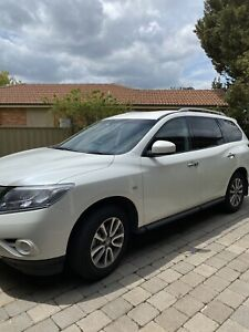 2015 Nissan Pathfinder St (4x2) Continuous Variable 4d Wagon