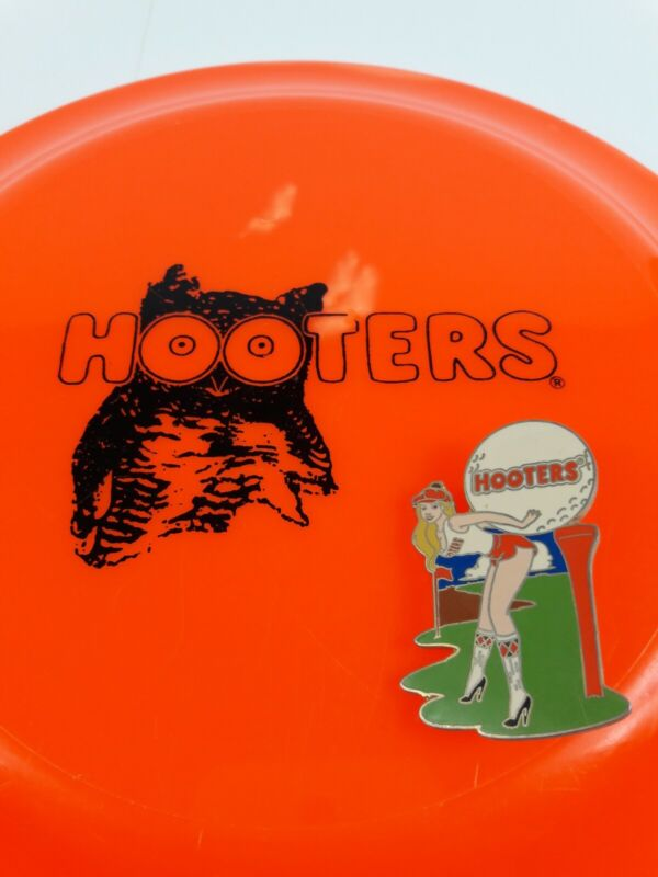Vintage Hooters Golf Pin & Frisbee