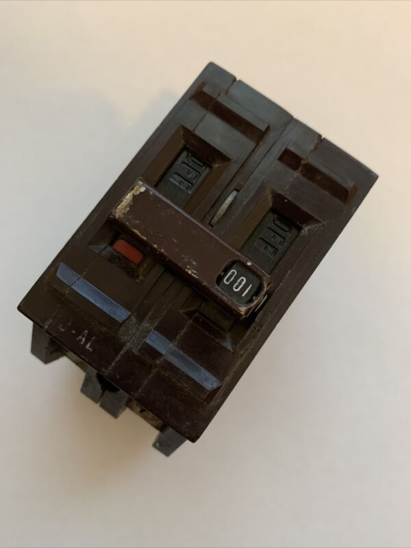 WADSWORTH 100 AMP DOUBLE POLE 2P 100A CIRCUIT BREAKER TESTED (FLAW CHIPPED)