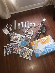 Wii Set that includes 14 games