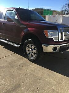 Ford F-150 Lariat ...crew cab long box