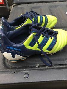 Boys soccer Adidas predator shoes.  Size 4