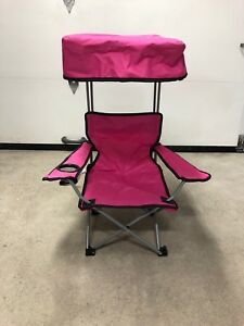 Chaise camping fille avec toit