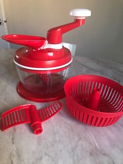 Tupperware Quick Chef salad spinner/dicer
