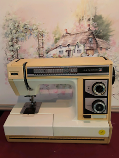 JANOME SEWING MACHINE MODEL SL 2022.