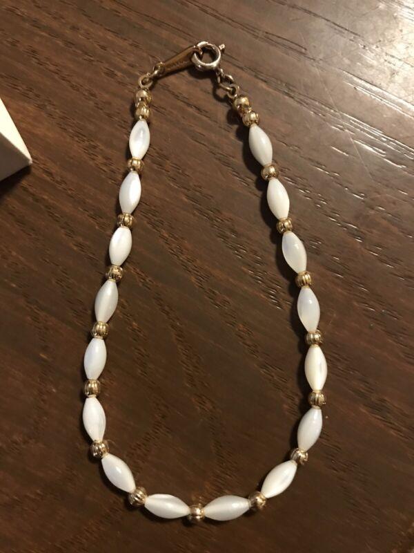 Vintage Avon Genuine Mother of Pearl Bracelet Size 7 1/8 In