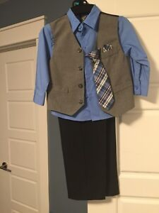 Boys Size 4 Dockers Suit