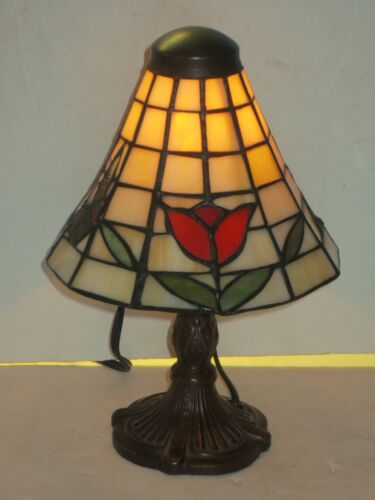 Tiffany Style Stained Glass Tulip And Butterfly Accent Lamp