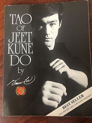 Specialties Ser.: Tao of Jeet Kune Do by Bruce Lee (1975, Trade Paperback,...
