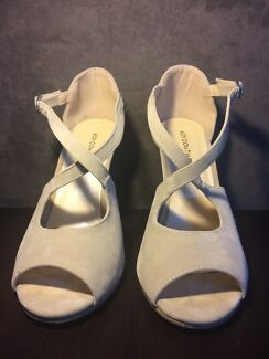Cream strap heels Bronte Eastern Suburbs Preview