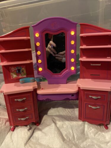 Vtg Orig RARE Barbie Glam Vanity Table Hair Salon Case Music Lights Work DressUp - $15.99