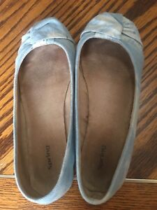 Size 9 flats. Spring brand.