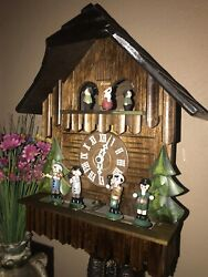 NICE GERMAN BLACK FOREST ANIMATED OOMPAH BAND MUSICAL CUCKOO CLOCK WITH DANCERS