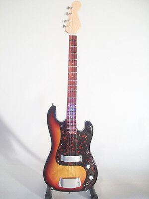 Guitare miniature basse Fender precision sunburst