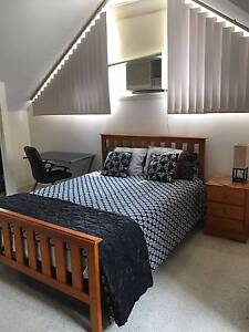 AWESOME SINGLE ROOM! PRIVATE BATHROOM, PERFECT FOR TWO PERSONS! Kangaroo Point Brisbane South East Preview