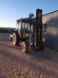 Ford tractor Monash Berri Area Preview