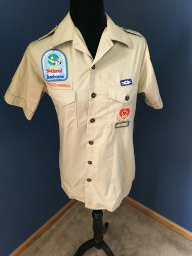 Short Sleeve Boy Scout Shirt with Badges Size Small Men