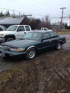 1995 MERCURY GRAND MARQUIS.  $1200 OBO or TRADE