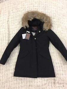 Brand new/tagged ladies Woolrich Parka (size S) half off!