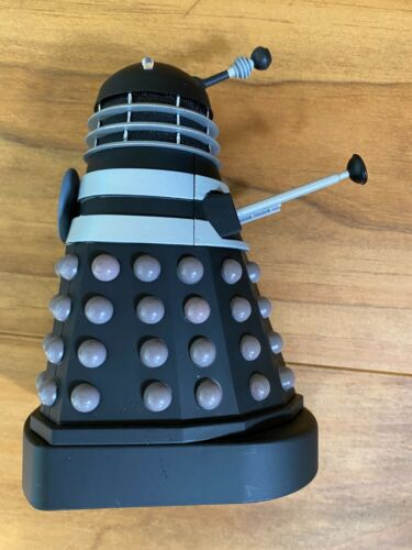 Doctor Who black and white Invasion Saucer Dalek figure Character Options