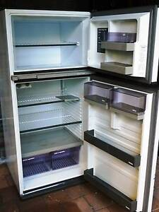 Fisher & Paykel 335L Fridge Freezer Hornsby Hornsby Area Preview