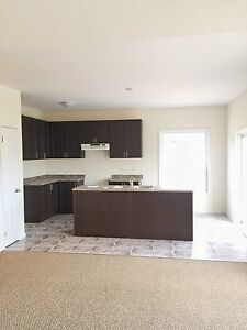 ALL INCLUSIVE 3 Bedroom Available January 15th, 2017 Peterborough Peterborough Area image 2