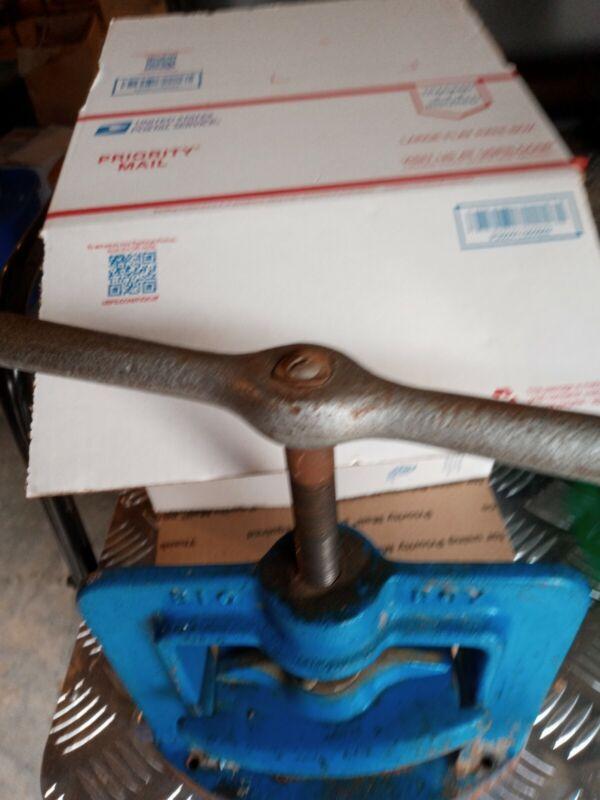 Handler 38 Big Boy Flask Press for Dental Lab. Used works fine