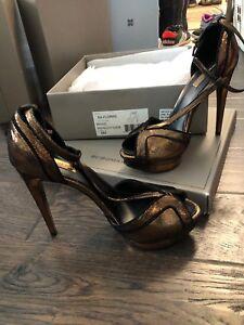 BCBG MAXAZRIA - bronze platform heel Size 8