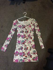 Long Sleeved Flowery Dress