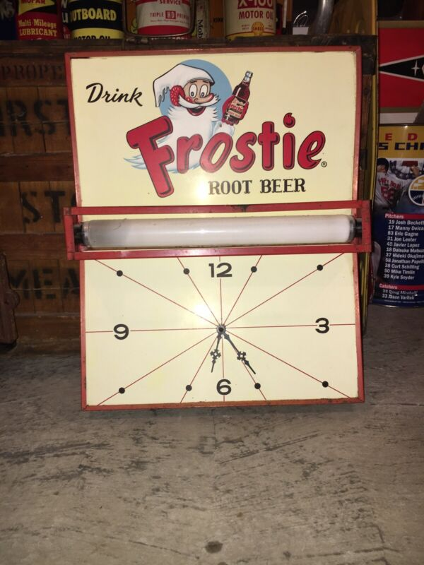 Vintage Frosty Root Beer Clock