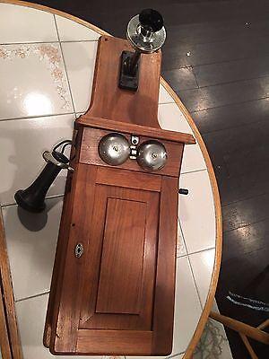 ANTIQUE WESTERN ELECTRIC WOOD FIDDLEBACK WALL CRANK TELEPHONE , NICE