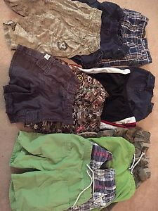 Boy's lot sz T4 28 pc